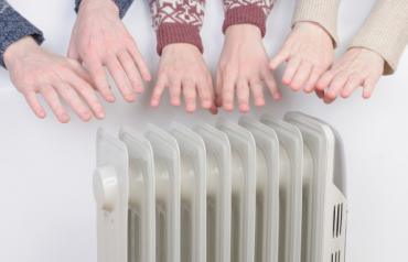 family-warming-hands-in-winter